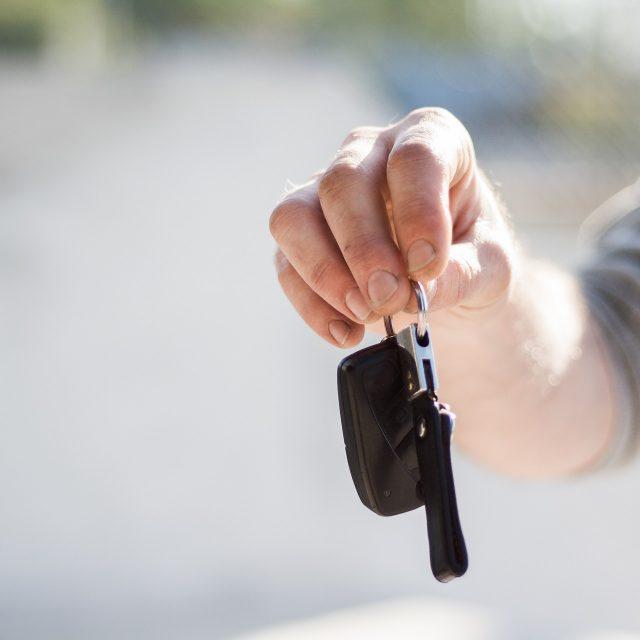 Korištenje službenih automobila u privatne svrhe